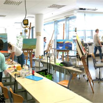 Künstlerin weckt Kreativität der TeilnehmerInnen